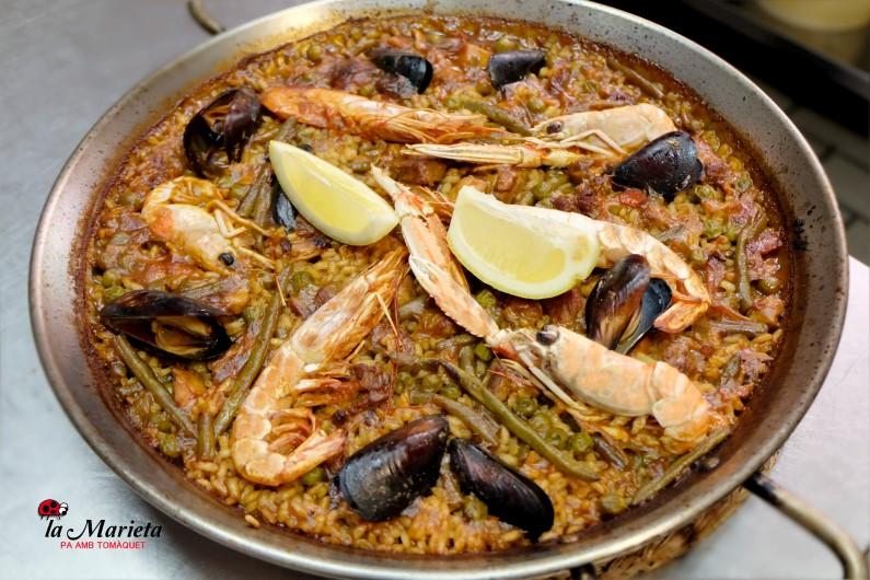Restaurante La Marieta, paella mixta, íntimo y familiar, aniversarios,cenas románticas, cenas de empresa y celebraciones en Mollet del Vallès, Barcelona.