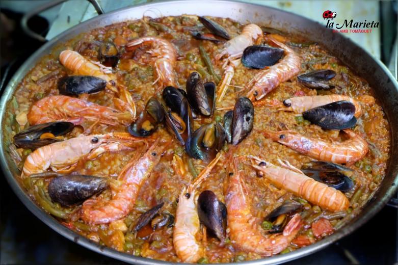 Cenar una buena paella marinera en restaurante en Mollet íntimo , cocina catalana La Marieta