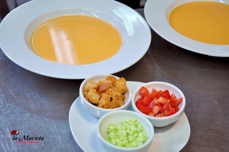 Restaurante La Marieta,Mollet del Valles, Barcelona, gazpacho , Menú degustación. Todos los viernes 25€ y los sábados 30€ , incluye mariscada.