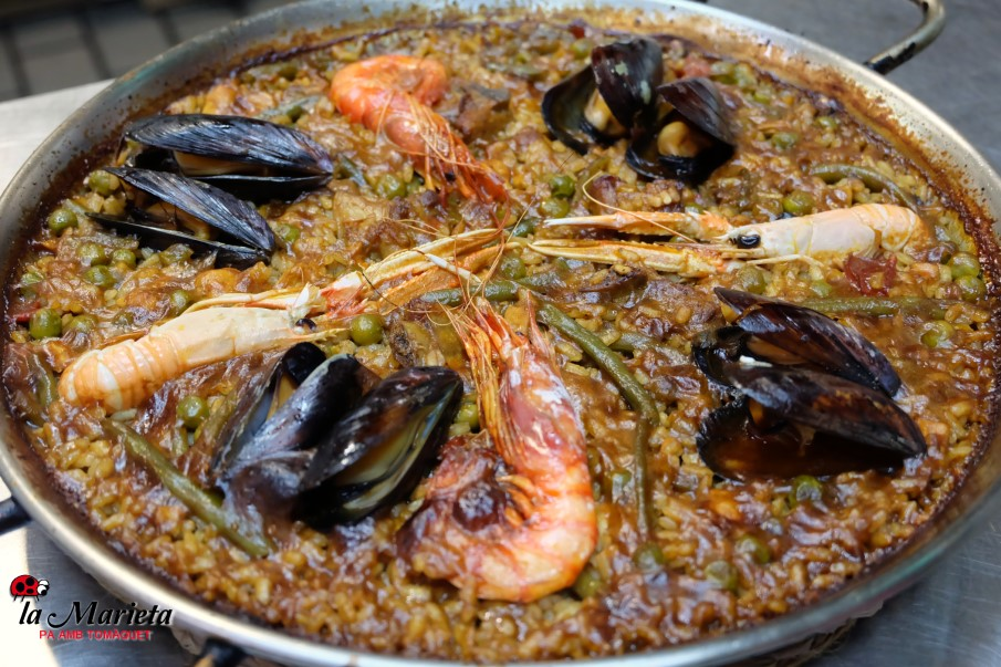 Una de las mejores paellas marineras de Barcelona en Mollet, restaurant la Marieta, cocina tradicional catalana